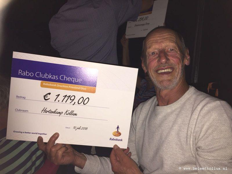 Plaatselijk Belang Kollum ontvangt Rabobank Clubkas cheque